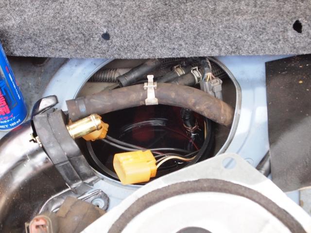 ラシーン 燃料ポンプ交換用のサービスホール